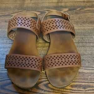 A Gianetti brown leather strap sandals